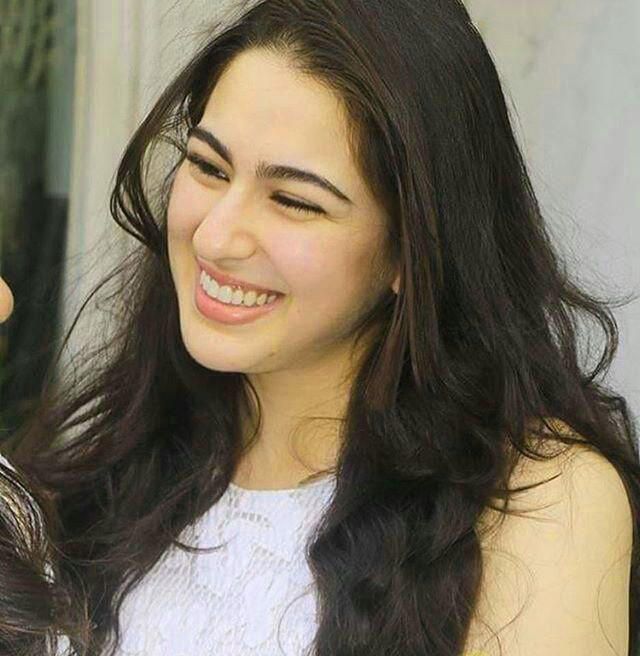 SARA ALI KHAN IMAGES WALLPAPER PHOTO DOWNLOAD