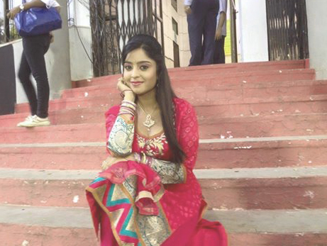 SHUBHI SHARMA IMAGES PICTURES PICS FREE HD DOWNLOAD