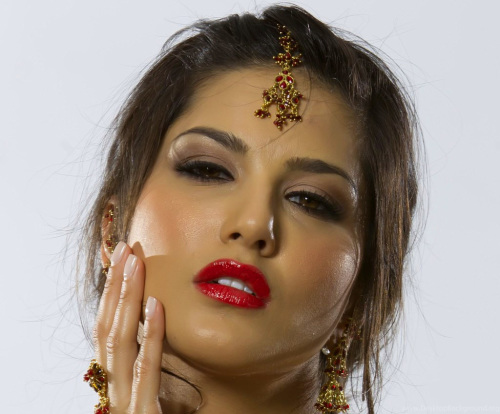 SUNNY LEONE IMAGES WALLPAPER PHOTO FREE DOWNLOAD