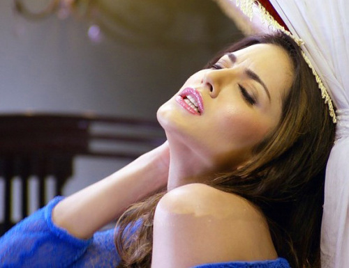 SUNNY LEONE IMAGES PHOTO WALLPAPER FOR FACEBOOK