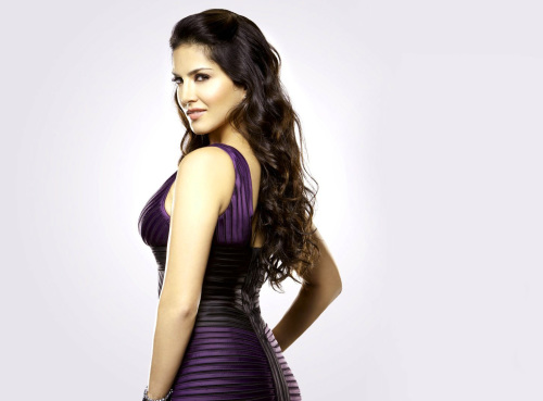 SUNNY LEONE IMAGES WALLPAPER PHOTO HD