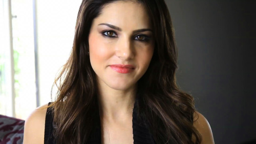 SUNNY LEONE IMAGES WALLPAPER DOWNLOAD