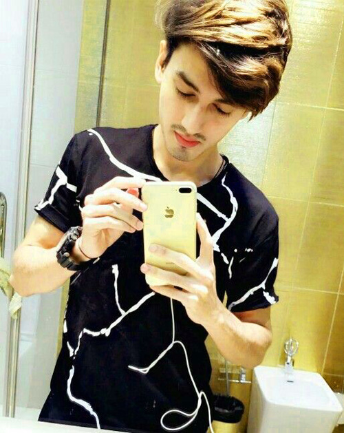 BEST WHATSAPP DP FOR BOYS IMAGES PICS PHOTO DOWNLOAD