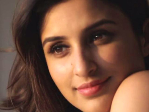 PARINEETI CHOPRA IMAGES PICS PHOTO DOWNLOAD